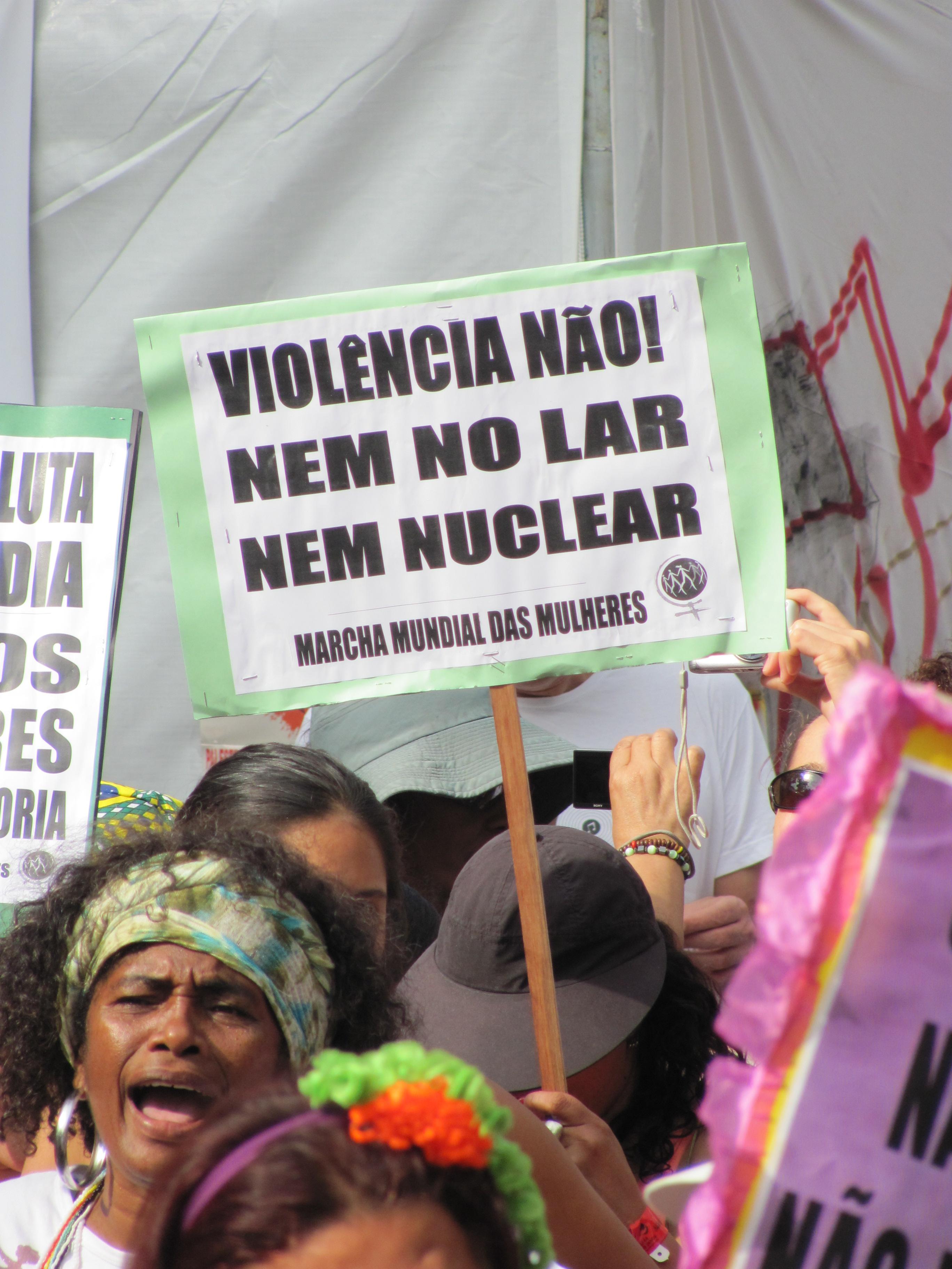 Marcha Mundial das Mulheres na Cúpula dos Povos, na Rio+20