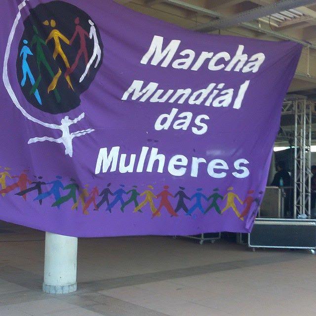 Bandeira confeccionada pelas militantes da  Marcha Mundial das Mulheres no Tocantins