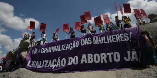 Pro_choice_feminists_in_Sao_Paulo