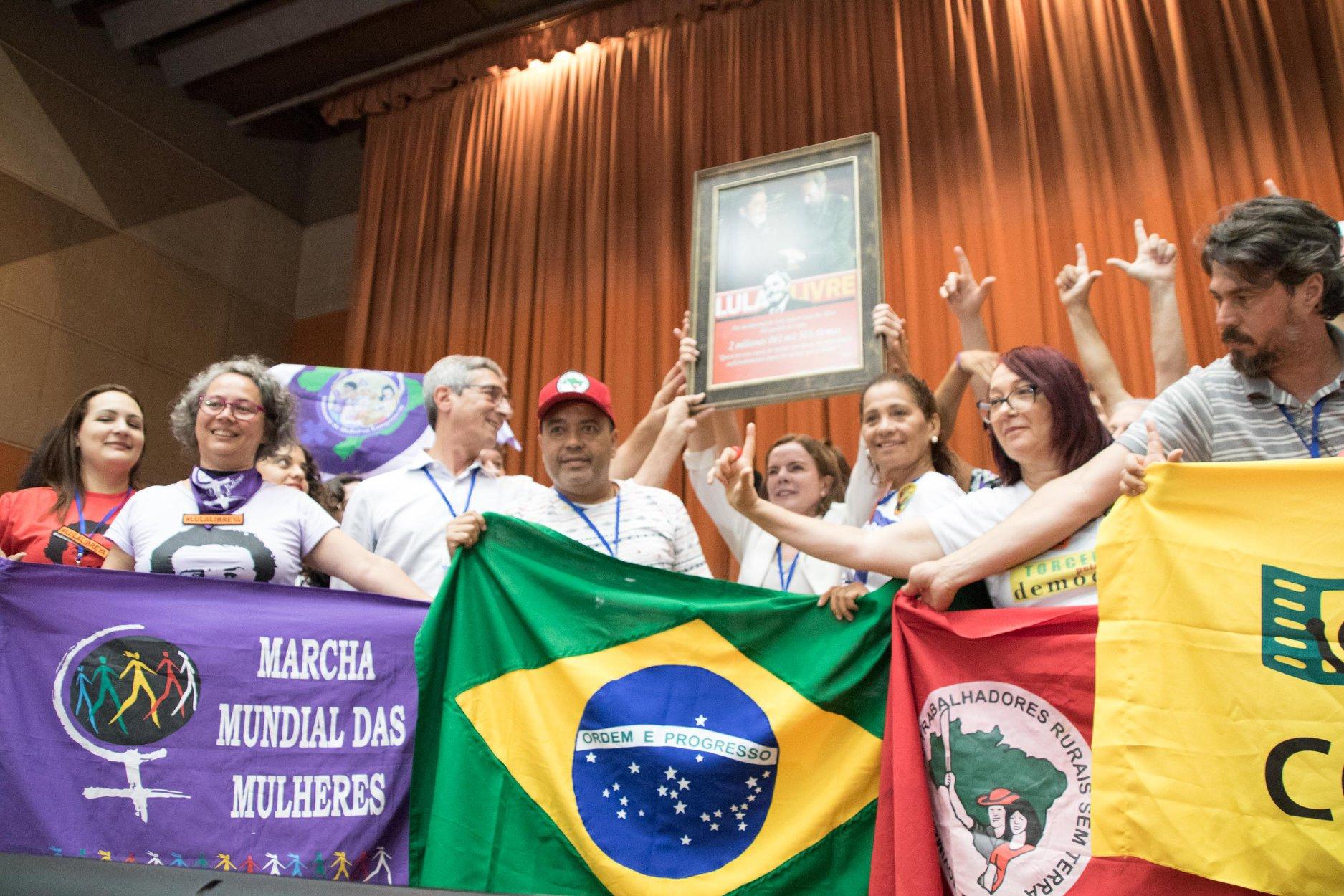 Delegação brasileira do encontro em Cuba contou com a participação da MMM, do MST e da participação da presidenta do PT, Gleisi Hoffmann - Créditos: Marcha Mundial das Mulheres